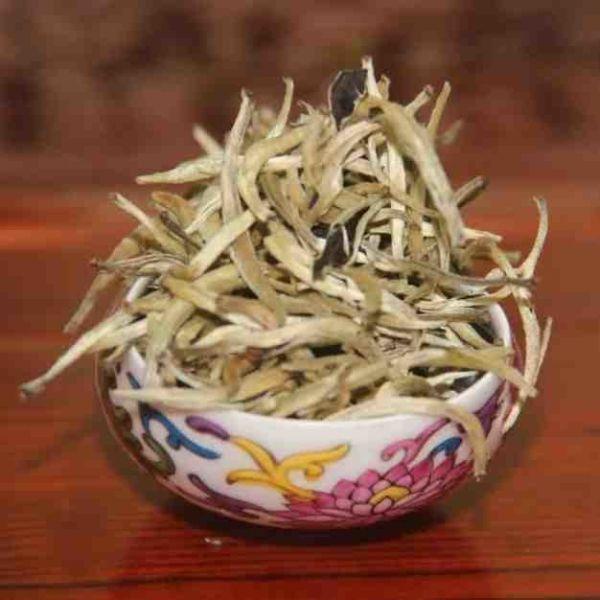 "Белый чай Бай Хао Инь Чжень ""Серебрянные иглы"""