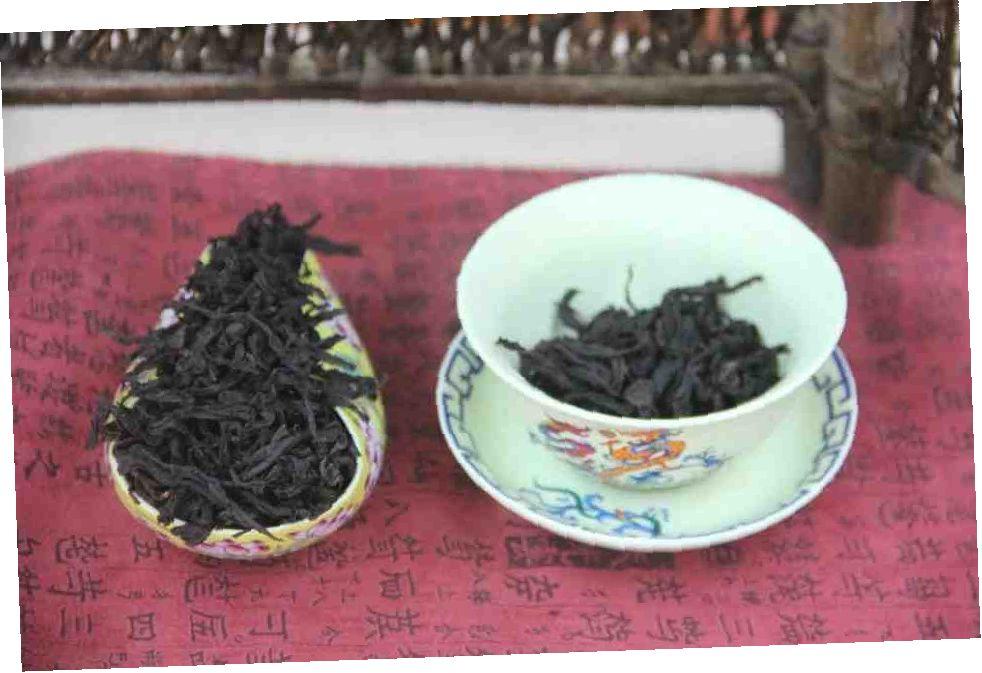 Kitajskij-chaj-Da-Hun-Pao-Da-Hong-Pao-Bolshoj-krasnyj-halat-prostoj-sort-silnaya-obzharka-706800-2