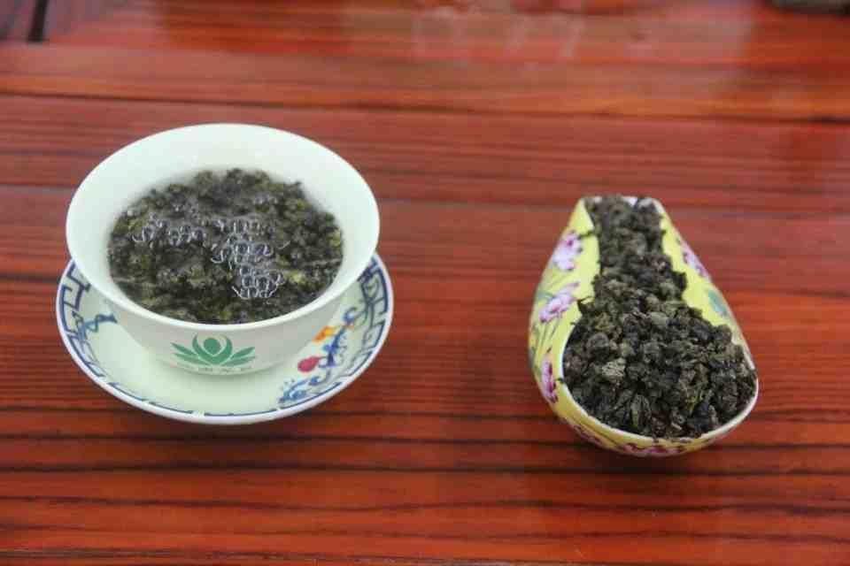 Kitajskij-chaj-Ulun-Huan-TSzin-Guj-Huang-Jin-Gui-Zolotaya-Koritsa-710700-9