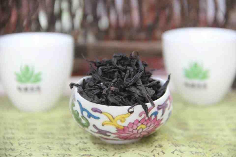 Kitajskij-chaj-Ulun-Te-Lo-Han-Tie-Luo-Han-ZHeleznyj-Arhat-Wu-Yi-Rock-Tea-707700-5