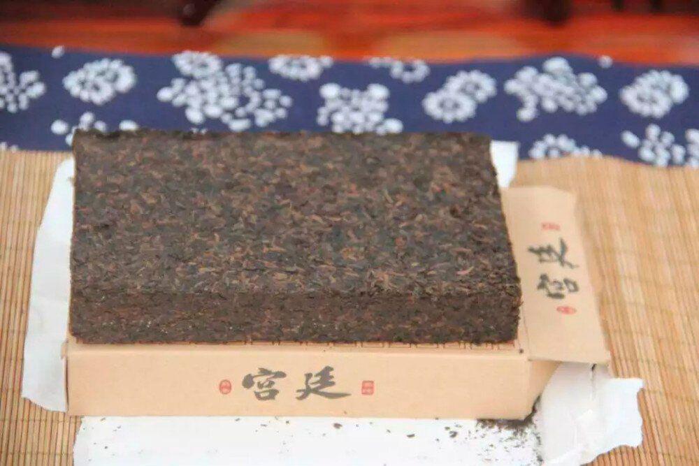 Dvorcovii-puer-shu-Xiong-Feng-Young-De-04
