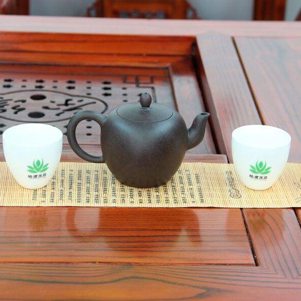 Mei-Ren-Jian-Plecho-krasavici-chainik-iz-isinskoi-glini-240-ml-01