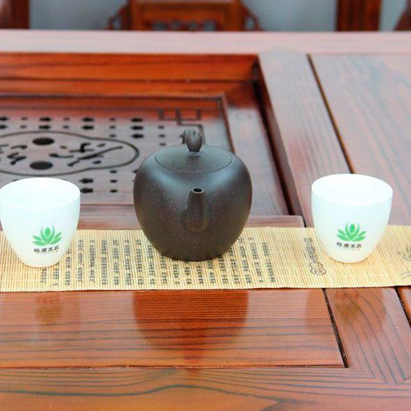 Mei-Ren-Jian-Plecho-krasavici-chainik-iz-isinskoi-glini-240-ml-02