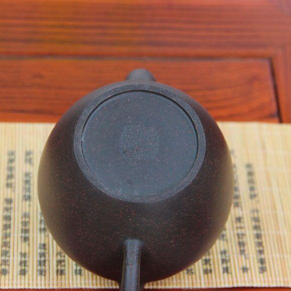 Mei-Ren-Jian-Plecho-krasavici-chainik-iz-isinskoi-glini-240-ml-04