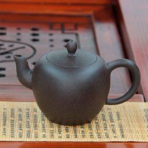 Mei-Ren-Jian-Plecho-krasavici-chainik-iz-isinskoi-glini-240-ml