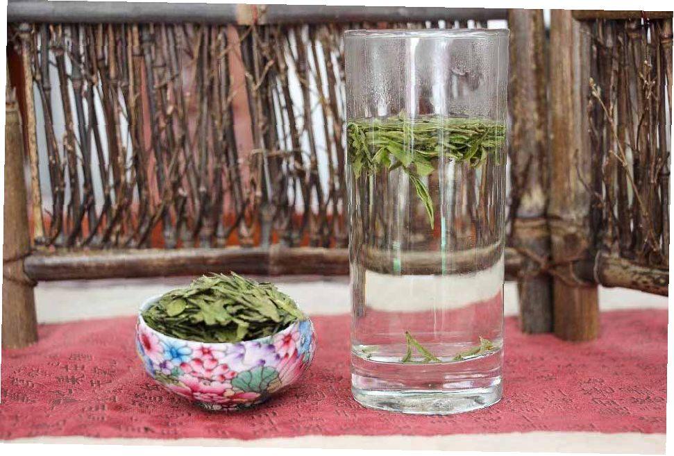 Zelenii chai Sihu Lunczin Xi Hu Long Jing 02