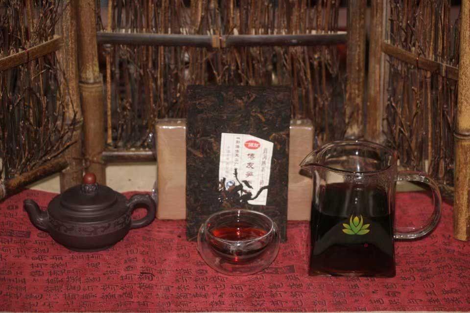 shu-puer-bambuk-fabriki-bo-yu-1
