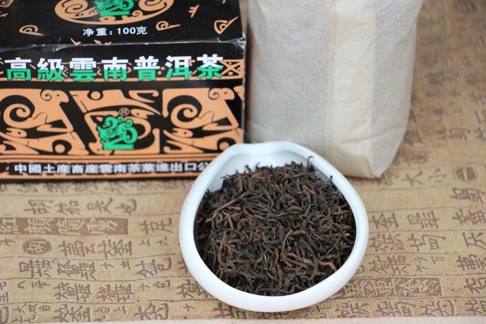 shu-puer-y562-chzhun-cha-zhong-cha-6