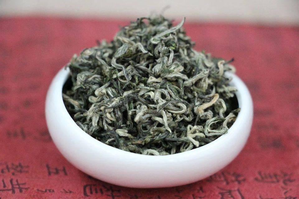 zelenyj-chaj-du-yun-mao-jian-1