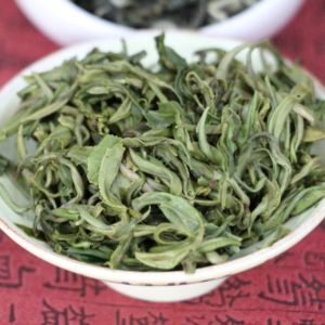 zelenyj-chaj-du-yun-mao-jian-4