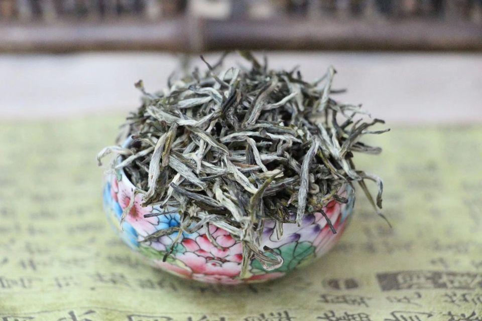 zelenyj-chaj-iz-provintsii-tszyasi-uezd-uyuan-3