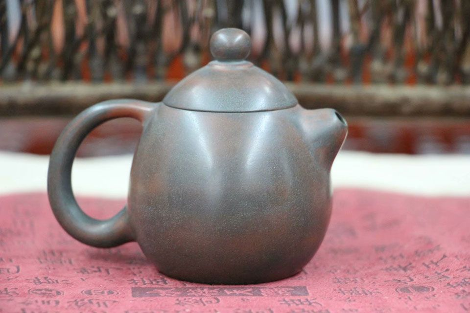 chajnik-iz-tsinchzhouskoj-gliny-zmeinoe-yajtso-80-ml-1