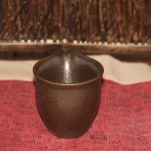 glinyanyj-chahaj-lotosa-odinokij-tsvetok-2