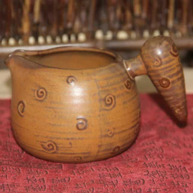 glinyanyj-chahaj-udacha-soldata