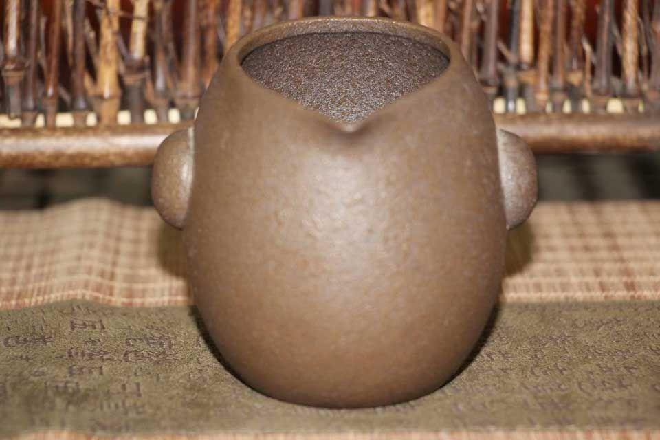 glinyanyj-chahaj-uzor-po-kamnyu-1